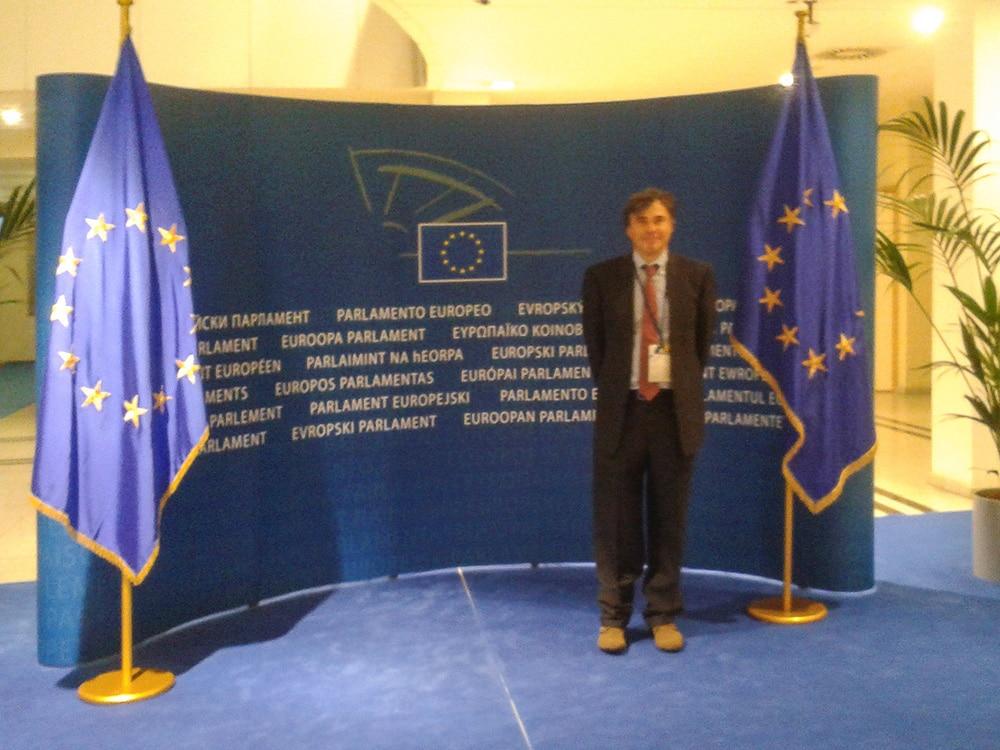 Europarlamento delle imprese parodi school for Rassegna stampa parlamento